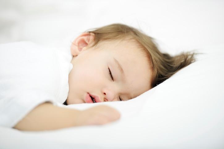 спящий малыш картинки